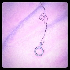 Jewelry - Circle pendant necklace